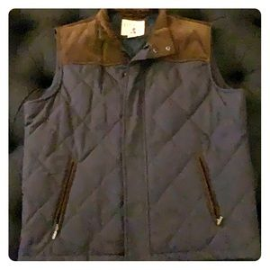 Bass Pro Shop Red Head Navy Vest with Brown Trim